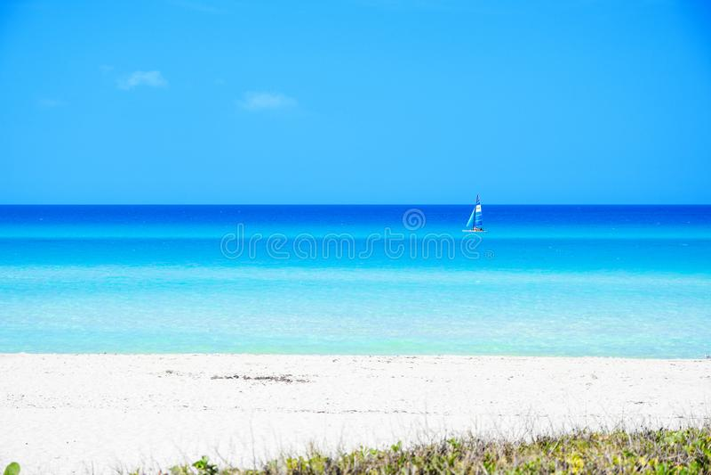 美丽的巴拉德罗角海滩 免版税图库摄影