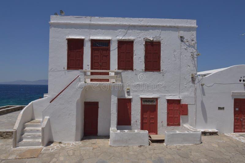 美丽的希腊典型的议院在市米科诺斯岛逃出克隆岛的Chora  艺术史建筑学 库存照片
