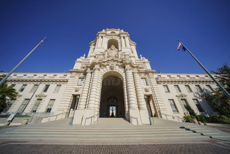 美丽的帕萨迪纳市政厅的下午视图在洛杉矶,加利福尼亚 库存照片