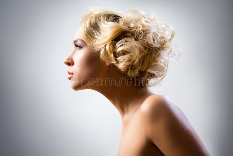 Download 美丽的性感的妇女 库存照片. 图片 包括有 吊带, 白种人, 胸骨, 迷信, 现有量, 爱好健美者, 方式 - 62533254