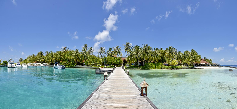 美丽的惊人的热带海岛海滩全景风景视图 库存照片