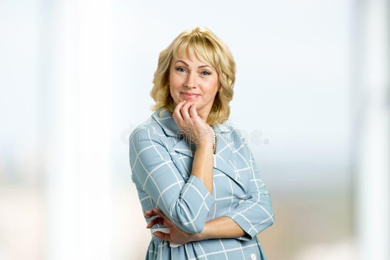 美丽的成熟纵向妇女 免版税图库摄影