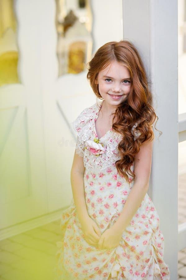 美丽的户外女孩年轻人 库存照片