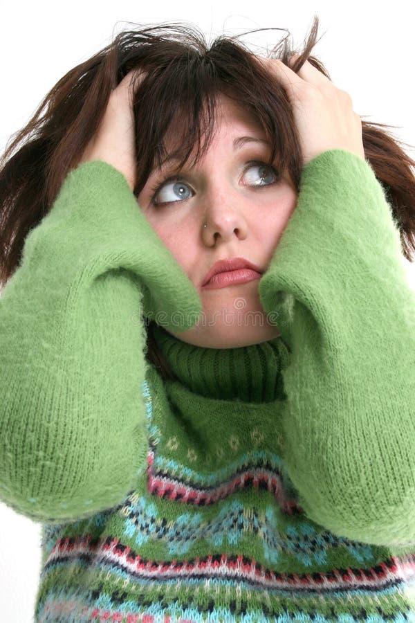 美丽的接近的女孩绿色毛线衣青少年  免版税库存图片