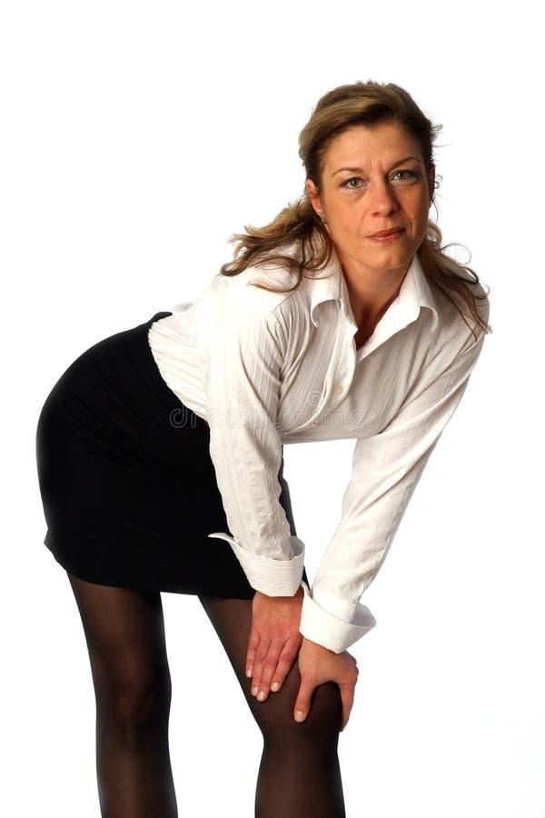 美丽的摆在的工作室妇女 免版税库存照片