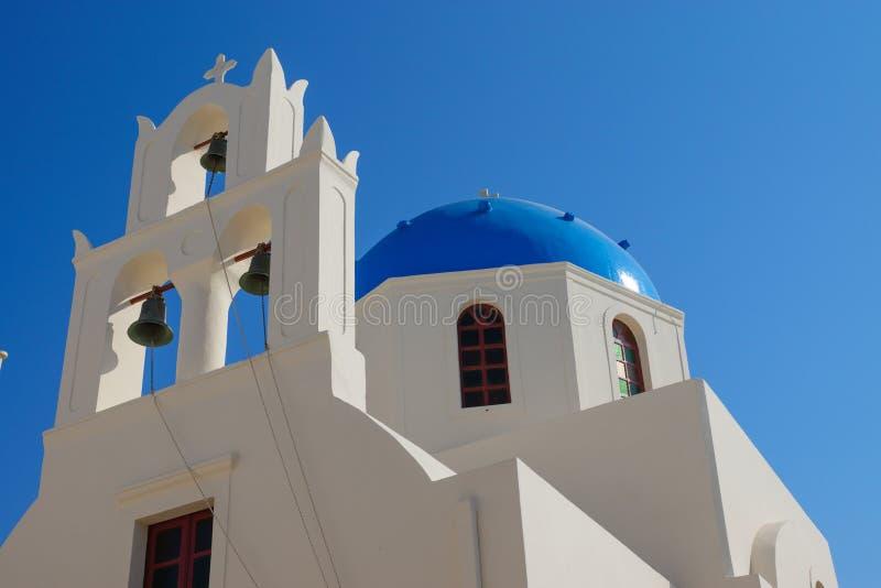 美丽的教会在Oia 图库摄影