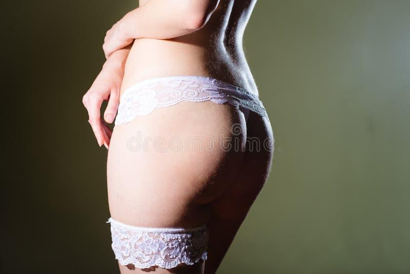 Download 美丽的新娘二赖子的特写镜头图片白色的 库存图片. 图片 包括有 行程, 不穿衣服, 女用贴身内衣裤, 当事人 - 62535723