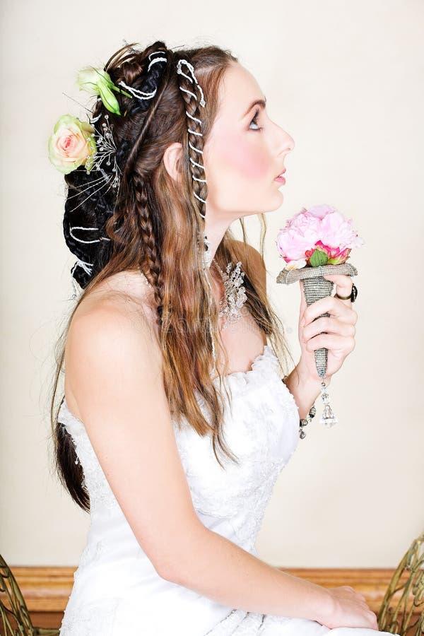 美丽的新娘礼服婚礼年轻人 免版税库存图片