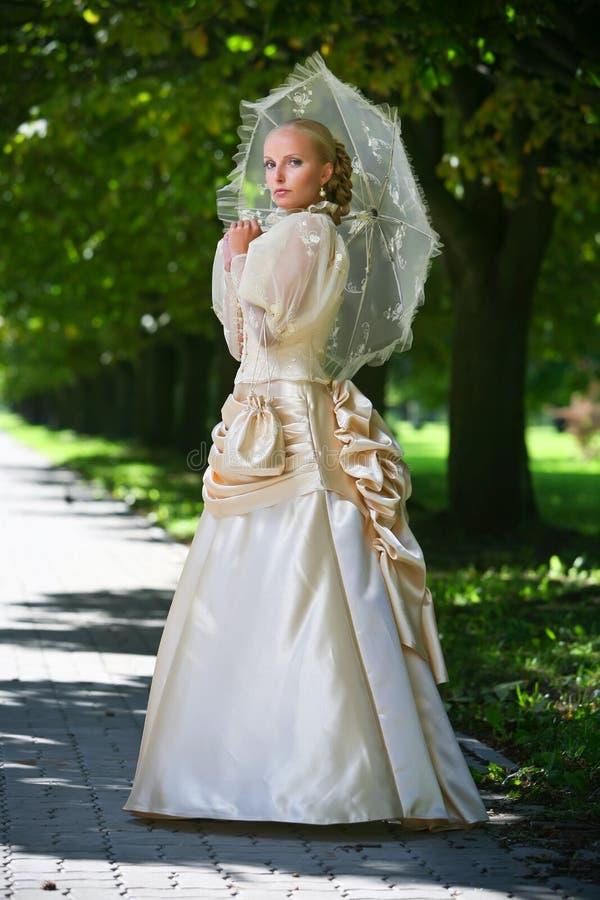 美丽的新娘纵向年轻人 库存图片
