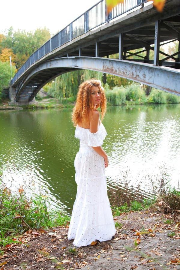 美丽的新新娘 免版税库存图片