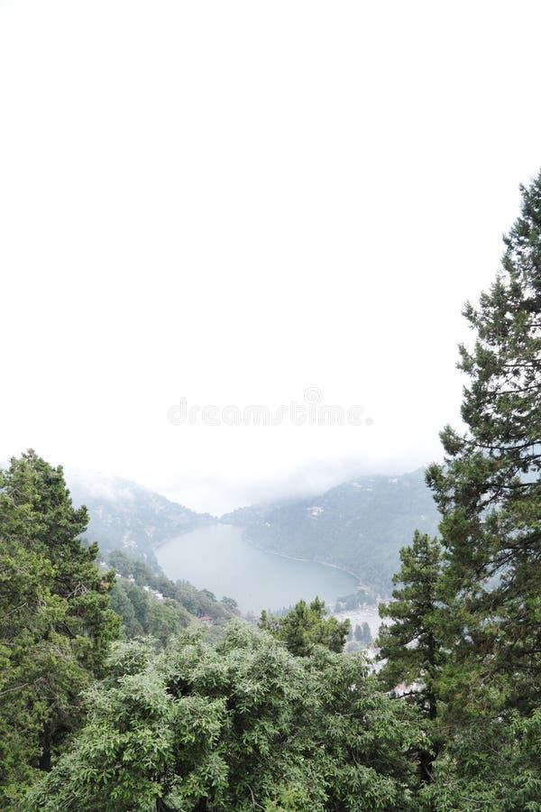 美丽的新月形形状Nainital湖 库存图片