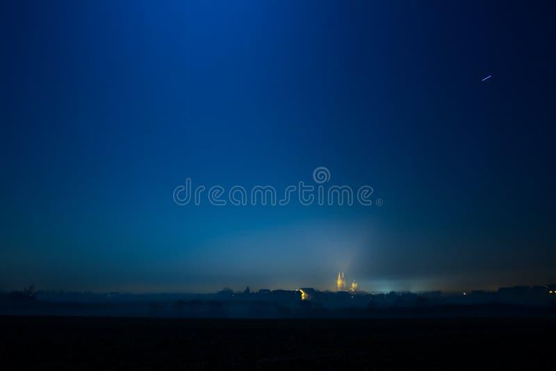 美丽的晚上城镇 库存图片