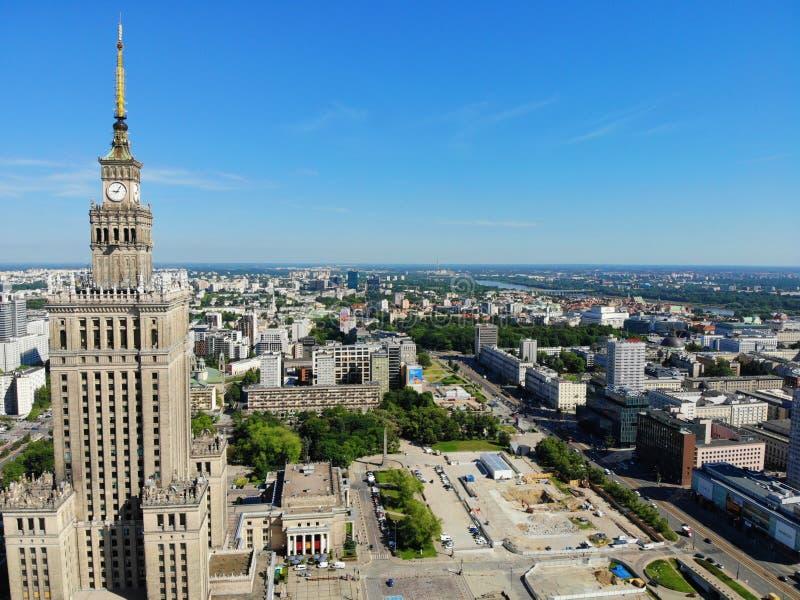 美丽的景色从上面 在华沙科学文化宫,华沙的巨大看法 波兰,欧洲的首都 免版税库存照片