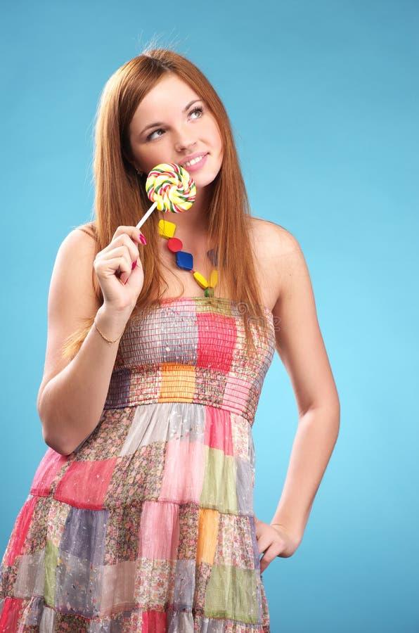 美丽的棒棒糖妇女年轻人 库存图片