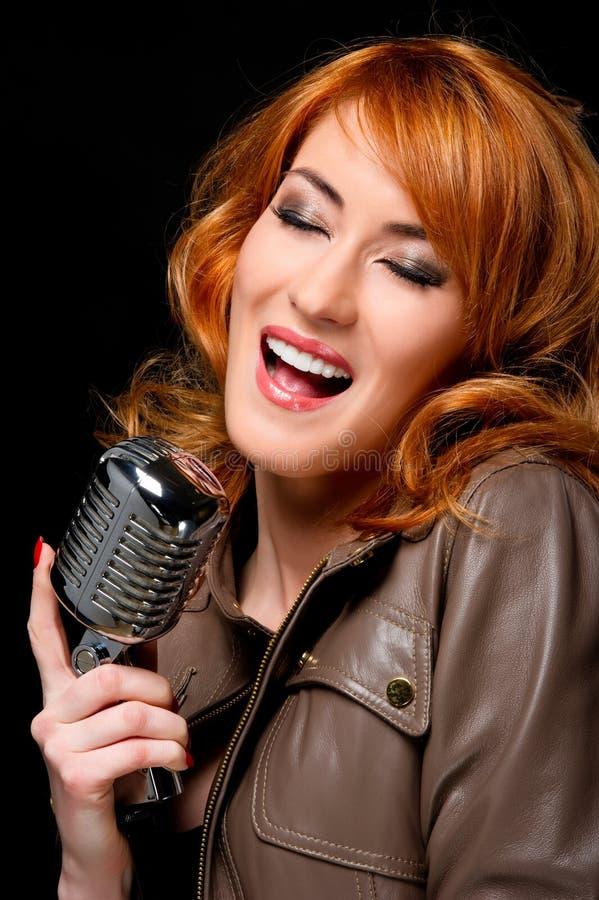 美丽的歌唱家 免版税图库摄影