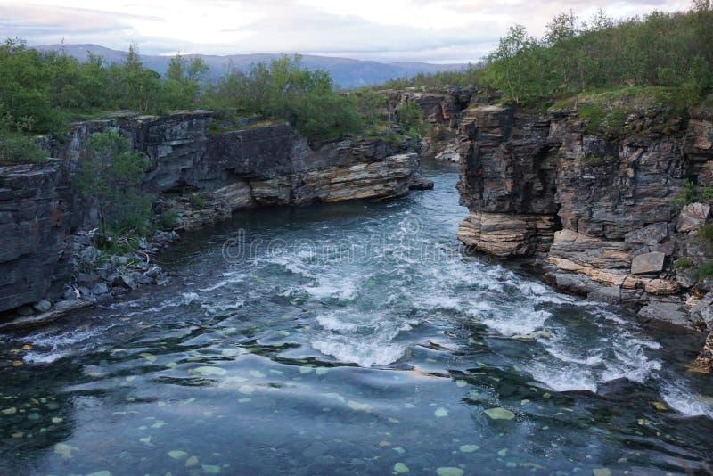美丽的河,阿比斯库国家公园,瑞典 免版税库存照片