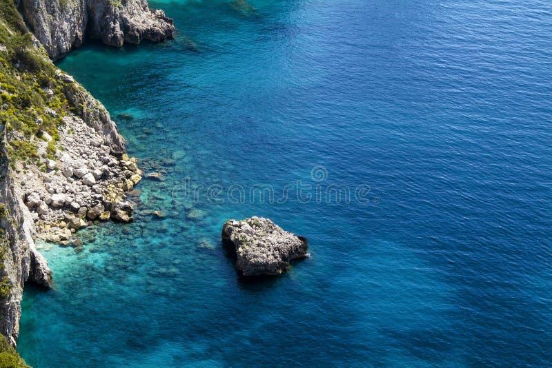 美丽的海在卡普里岛-意大利 图库摄影