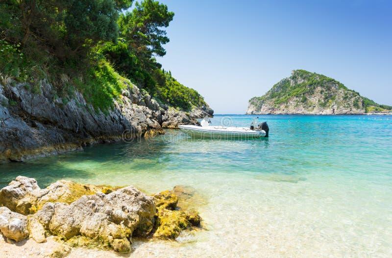 美丽的海岸在科孚岛海岛,希腊上的Paleokastritsa 图库摄影