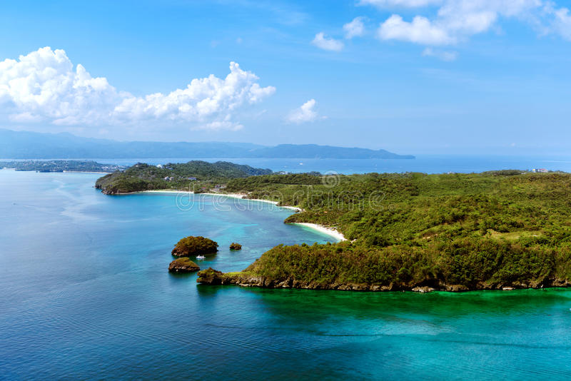 美丽的海湾鸟瞰图在热带海岛 博拉凯海岛 免版税库存照片