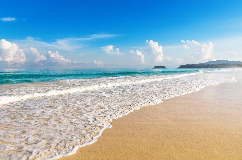 美丽的海运 Karon海滩,普吉岛 库存照片