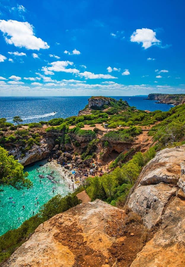 美丽的海滩马略卡马略卡Cala des莫罗西班牙地中海 免版税库存图片