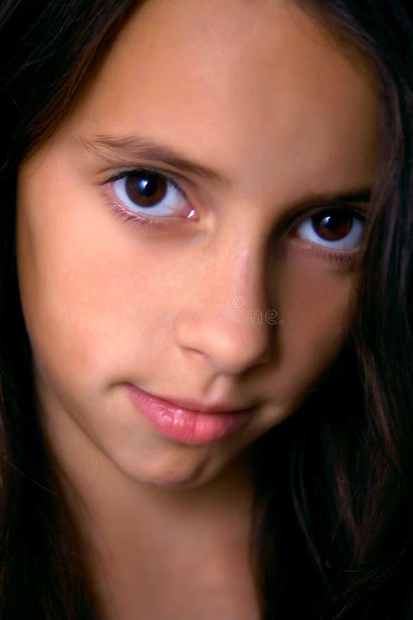 美丽的深色的女孩年轻人 库存图片
