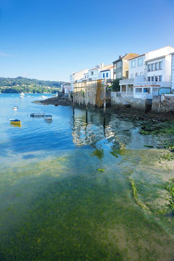 美丽的渔村, Redes在一个晴天 库存图片