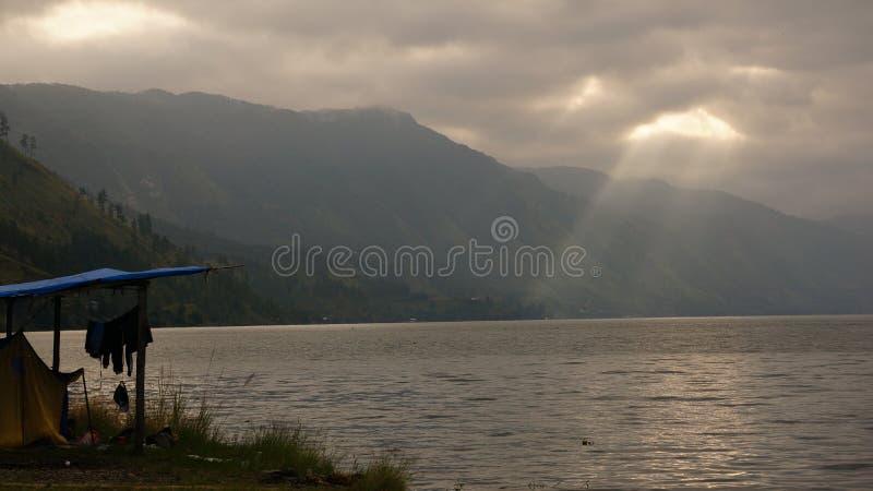 美丽的湖Lut Tawar,Gayo高地,亚齐中部区,亚齐 库存照片