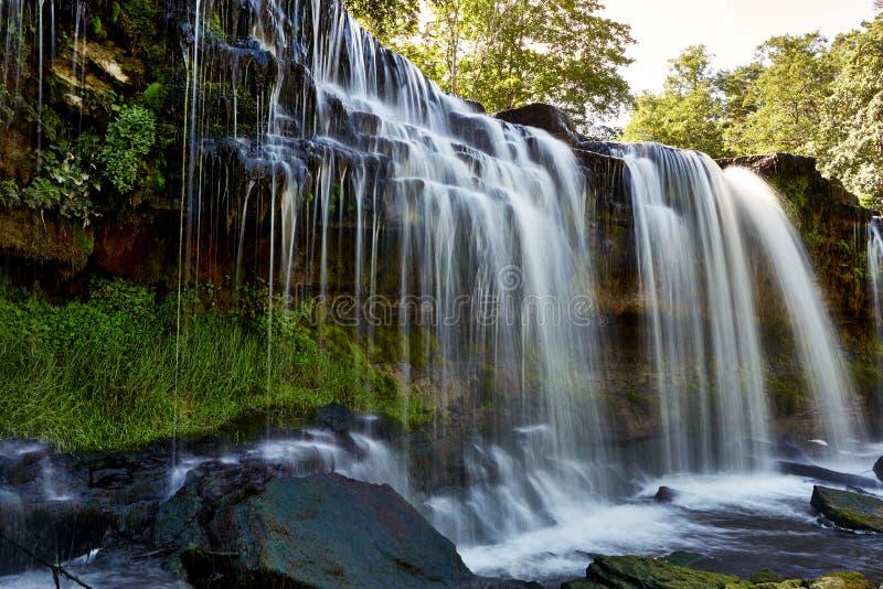 美丽的瀑布在凯伊拉Joa,爱沙尼亚 库存图片