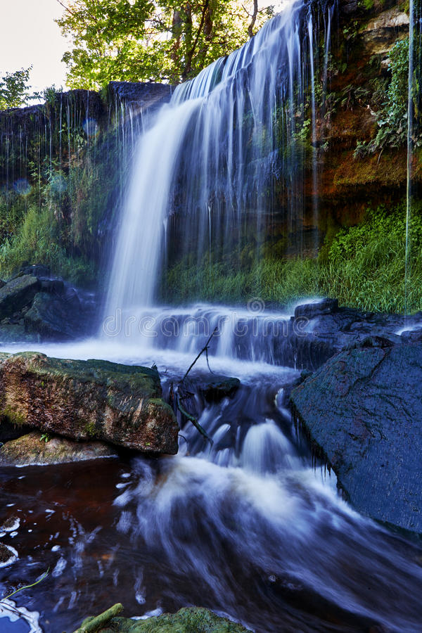 美丽的瀑布在凯伊拉Joa,爱沙尼亚 免版税库存图片