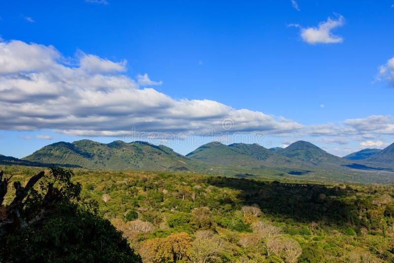 美丽的火山在塞罗Verde国家公园在萨尔瓦多 库存图片
