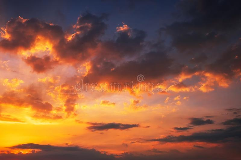 美丽的火热的日落天空 库存照片