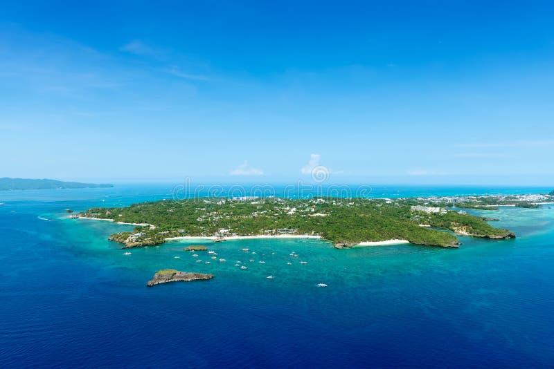 美丽的热带博拉凯海岛鸟瞰图  免版税库存图片