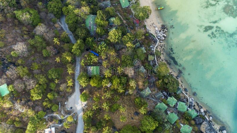 美丽的热带海顶视图风景夏季图象的由鸟瞰图寄生虫射击了,大角度看法 库存照片