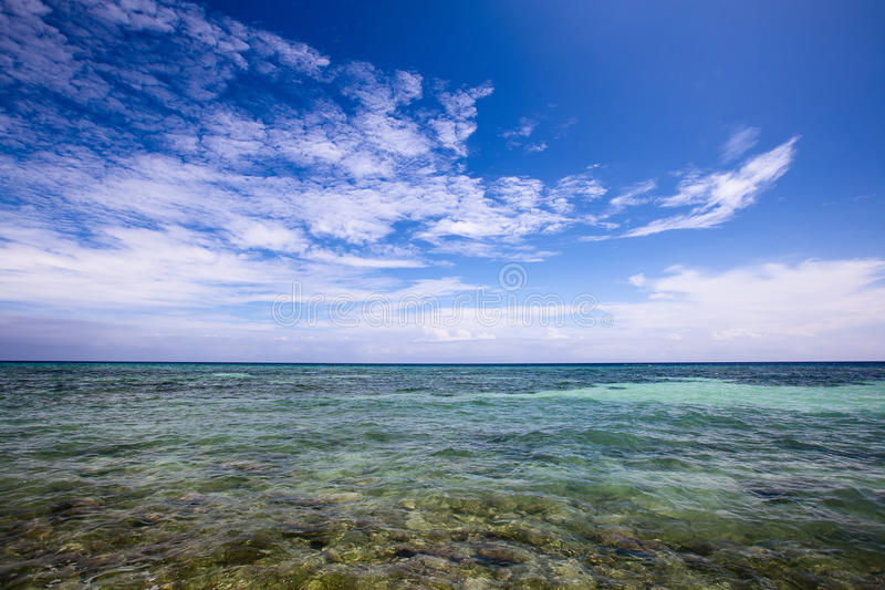 美丽的热带海滩在菲律宾 库存照片