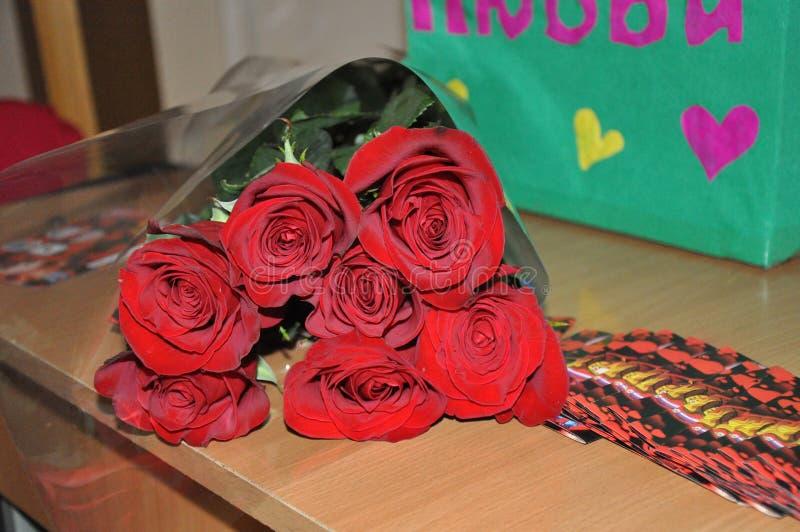 美丽的玫瑰花束Valentine&的x27;s天 库存照片