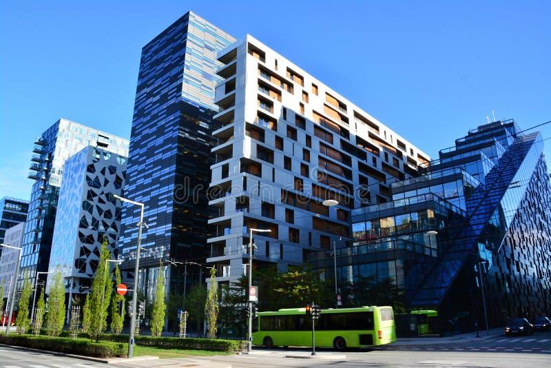 美丽的现代大厦,奥斯陆的条形码区,挪威 免版税库存照片
