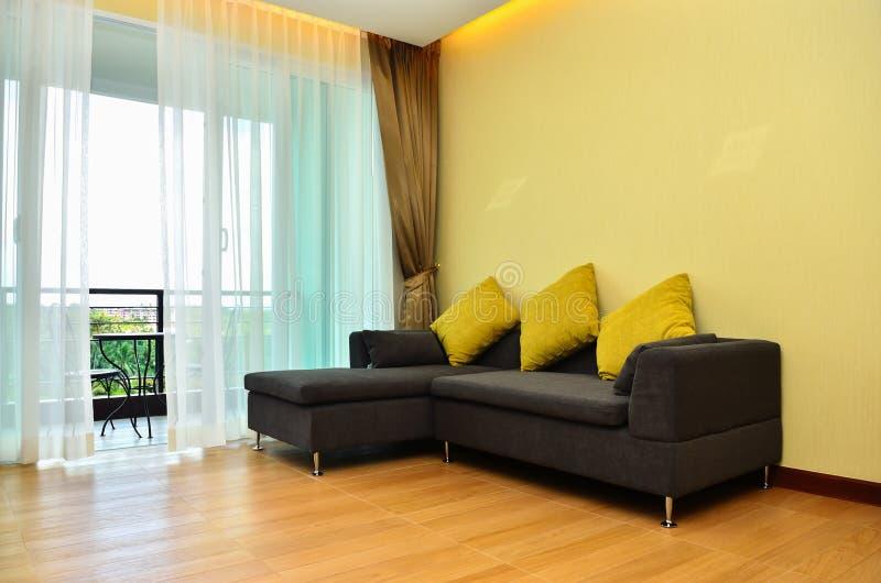美丽的现代家和旅馆卧室 免版税库存照片