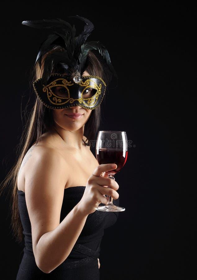 美丽的玻璃酒妇女 免版税库存图片