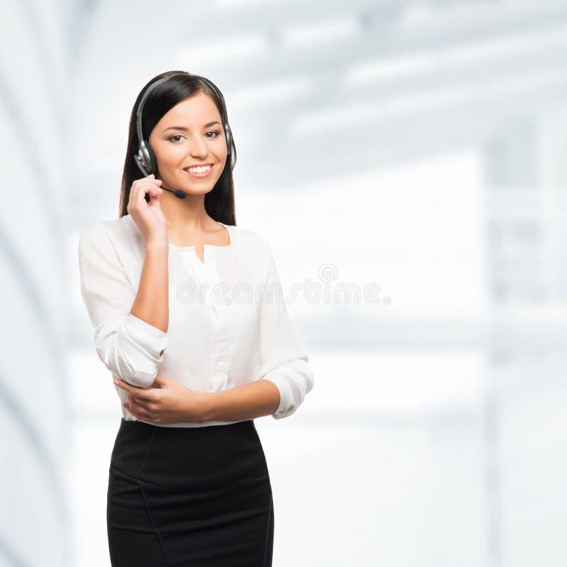 美丽的用户支持操作员在办公室 库存照片