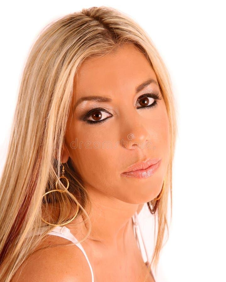 美丽的白肤金发的拉提纳 免版税库存照片