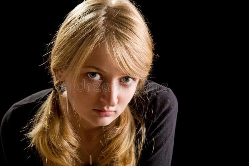 美丽的白肤金发的方式女孩纵向 图库摄影