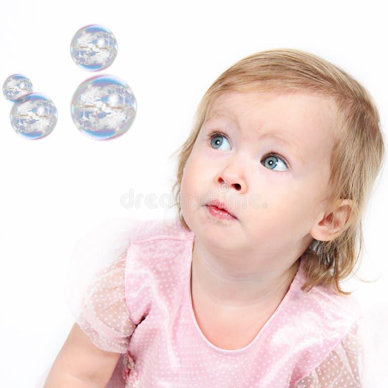 美丽的矮小的女婴在演播室 库存照片