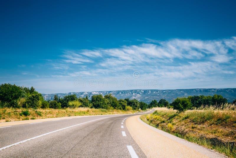 美丽的空的沥青高速公路,机动车路,高速公路 图库摄影