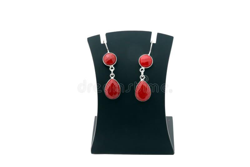 美丽的红色宝石银耳环 图库摄影