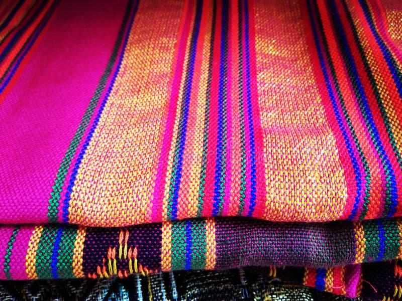美丽的编织的布料 免版税库存图片