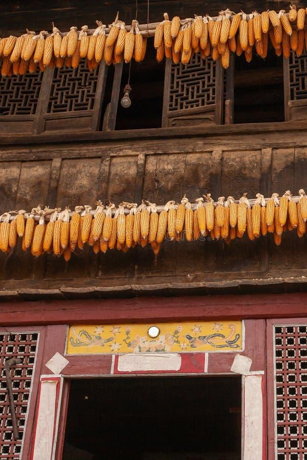 美丽的老迷人的中国房子,美好的艺术木textu 免版税图库摄影