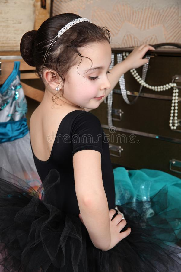 美丽的舞蹈演员 库存照片