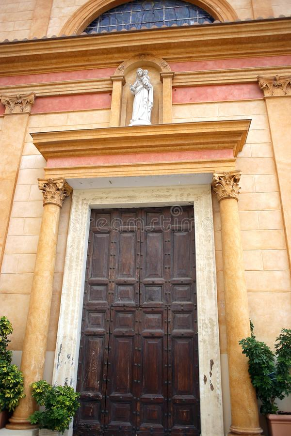 美丽的葡萄酒门,老木古董 库存图片
