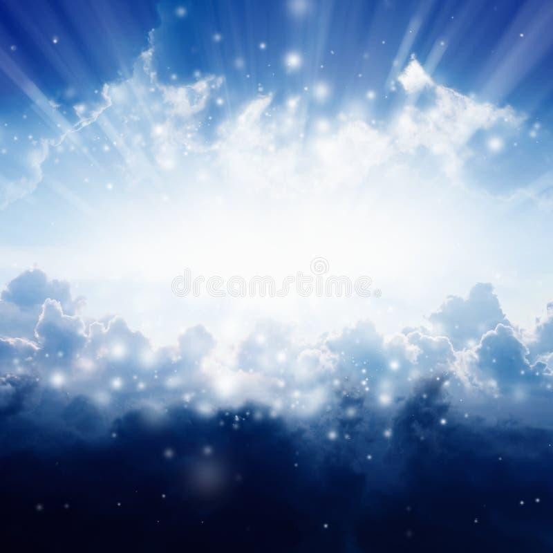 美丽的蓝色明亮的结算覆盖天堂轻的天空星期日白色 图库摄影